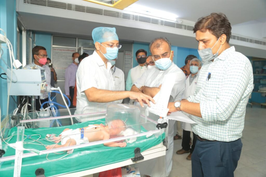 महावीर  वात्सल्य अस्पताल में 90 ऑक्सीजन बेड का विशेष वार्ड बुधवार को शुरू हो गया